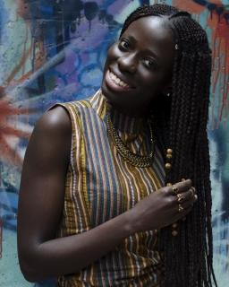 P. : Yvette C. Photographe - Une pose d'impose